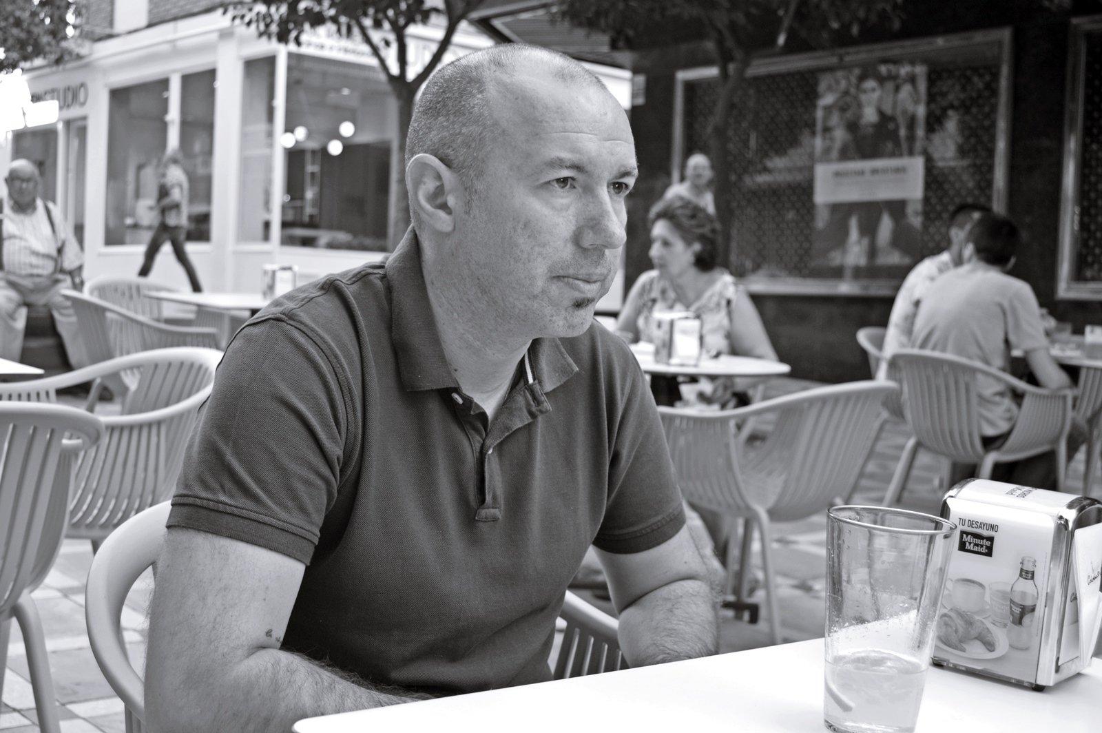 El entrenador del Jaén Paraíso Interior, durante la entrevista.