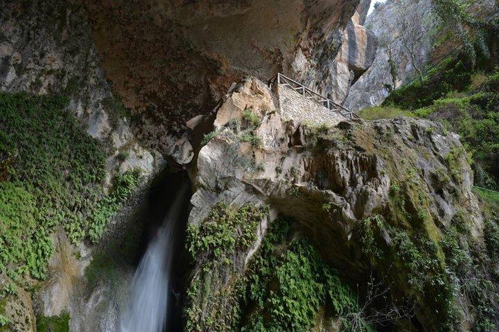 La Cueva del Agua de Tíscar, monumento natural de Andalucía