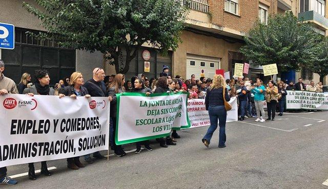 Más de 250 ampas saldrán a la calle por los comedores escolares